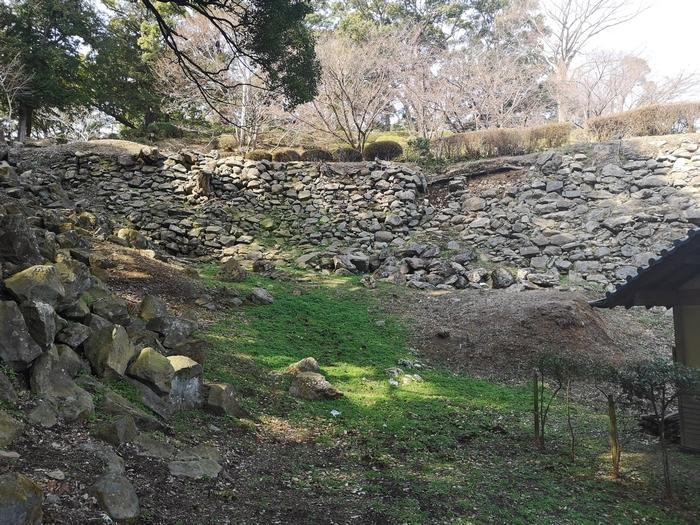 二の丸東側石垣