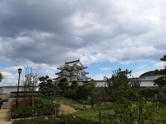 少し離れた場所からの尼崎城