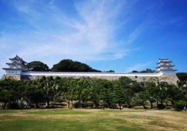 夏炎天下の明石城