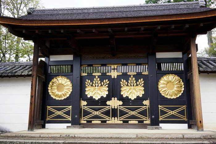 醍醐寺三宝院の唐門