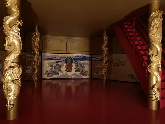 1階から見た泰巖歴史美術館の安土城天主